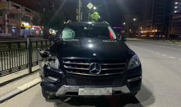 После удара этой машины мужчина погиб.