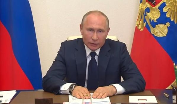 Путин рассказал о федеральной доплате для соцработников.