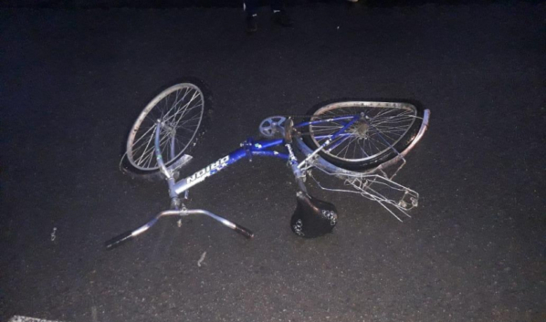 Иномарка сбила девочек на велосипеде.