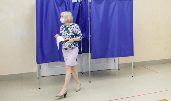 На участке для голосования.