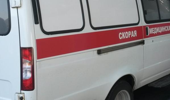 Байкер и его пассажир попали в больницу.