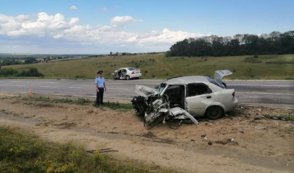 В аварии погибли три человека.