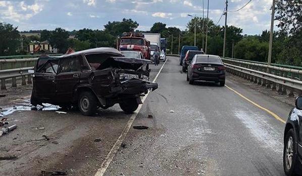 Погибли водитель и пассажир ВАЗ-2105.