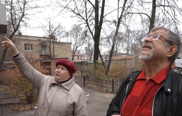 Аркадий Пономарев осмотрел дом.