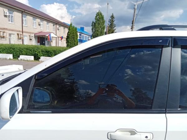 Водителя наказали за тонировку.