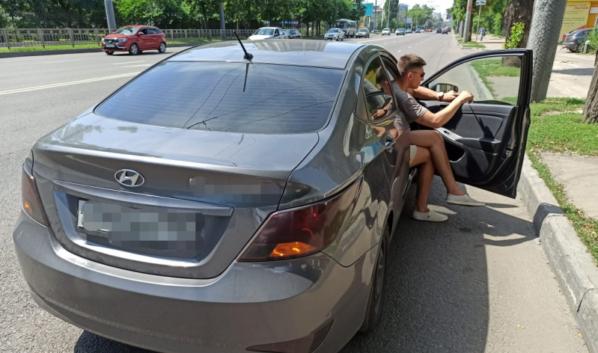 Водителя поймали с тонировкой стекол.