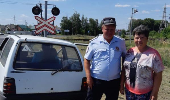Полицейские помогли автомобилистке.