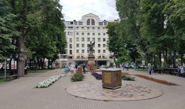 Закроется книжный клуб «Петровский».