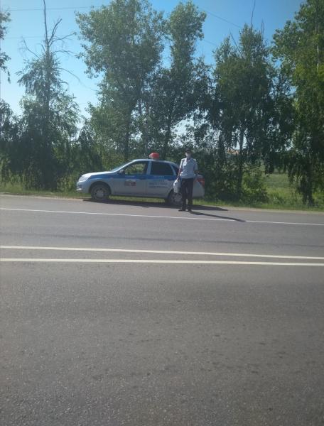 Сотрудники полиции помогли автомобилисту.