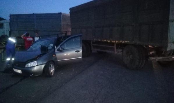 Водитель легковушки погиб.