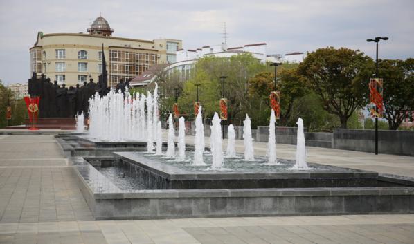 Фонтаны на площади Победы в Воронеже.