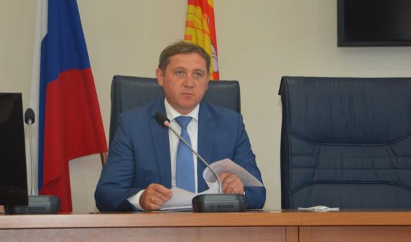 Председатель постоянной комиссии Андрей Соболев.