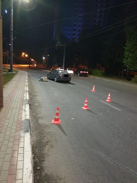 Коляска после ДТП на улице Ворошилова.