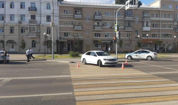 Пьяный автомобилист устроил аварию во время дрифта.