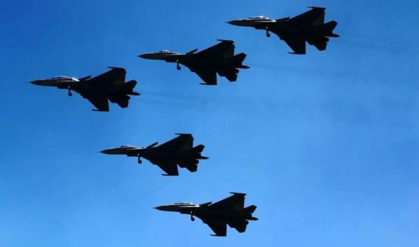 В Воронеже выступят полетные группы.