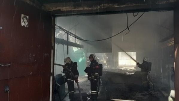 Пожар в ангаре.