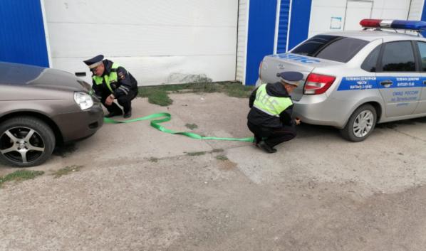 Госавтоинспекторы помогли автомобилистке.