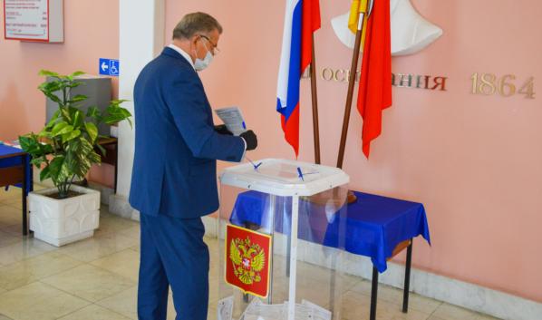 Сергей Лукин проголосовал на выборах.
