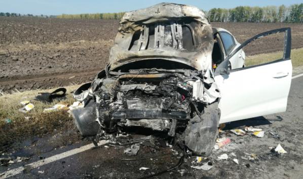 В аварии пострадали три человека.