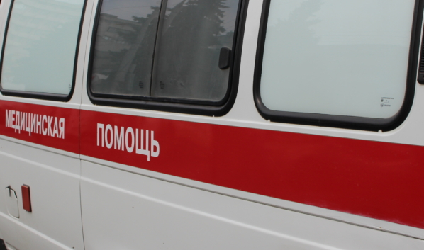 После аварии велосипедиста доставили в больницу.