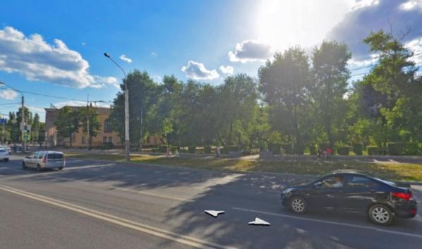 Сквер имени Василия Шукшина на Ленинском проспекте.