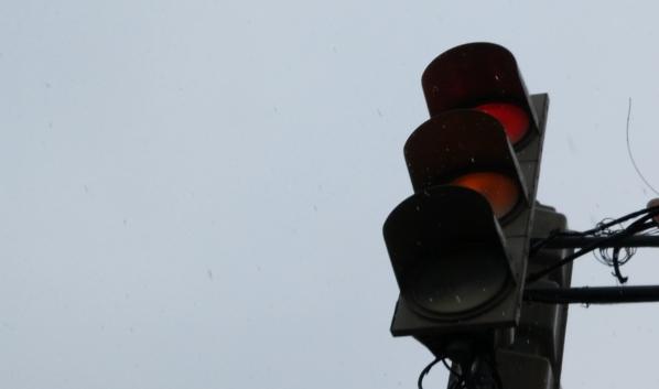 Авария случилась из-за нарушения работы светофора.