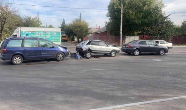 ДТП на улице Брусилова.