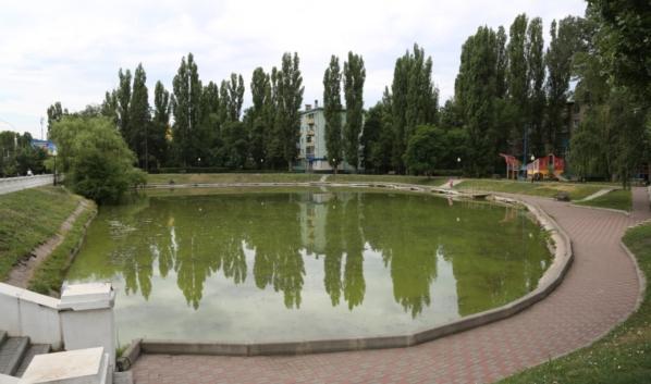 Озеро на улице Минской.