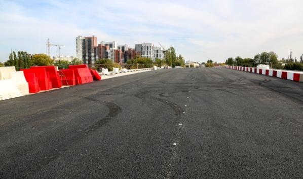 Путепровод на улице 9 Января днем 1 октября 2020 года.