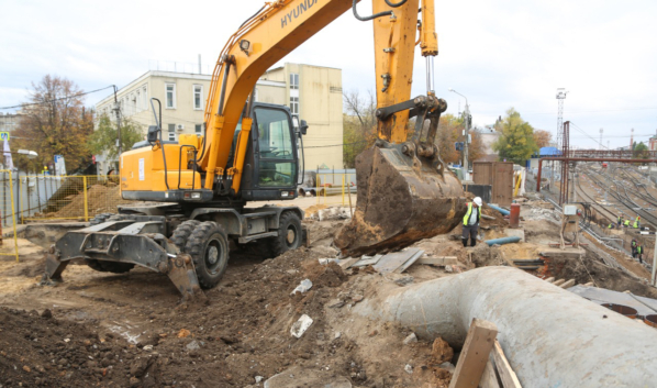 Подготовка к реконструкции путепровода на улице Ленина.