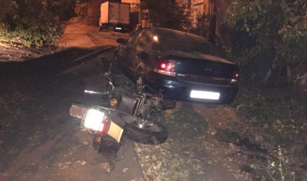 Мотоцикл после ДТП на улице Ломоносова.
