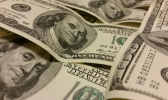 У воронежца похитили доллары.