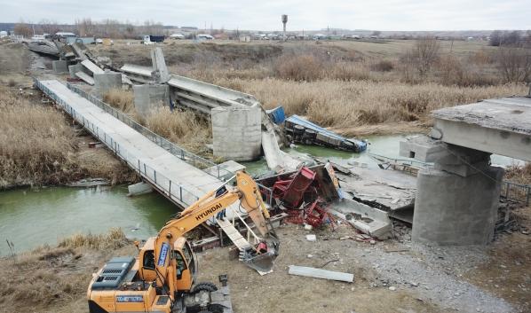 Вот так выглядел разрушенный мост.