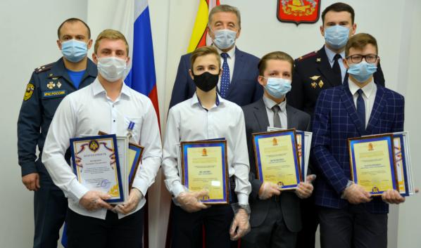 Сергей Лукин встретился с детьми-героями.