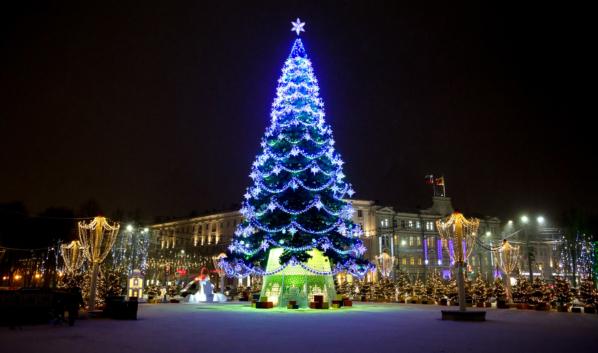 Ёлка на площади Ленина.