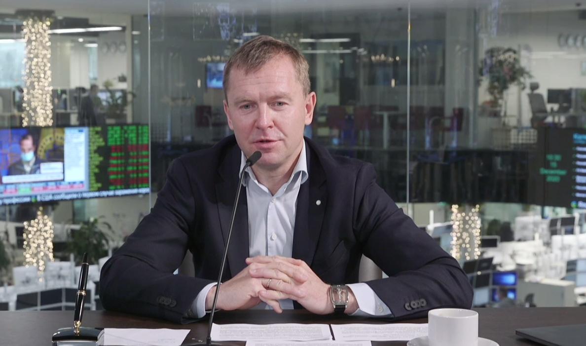 Анатолий Попов.