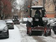 Дворы Воронежа расчищают после снегопадов.