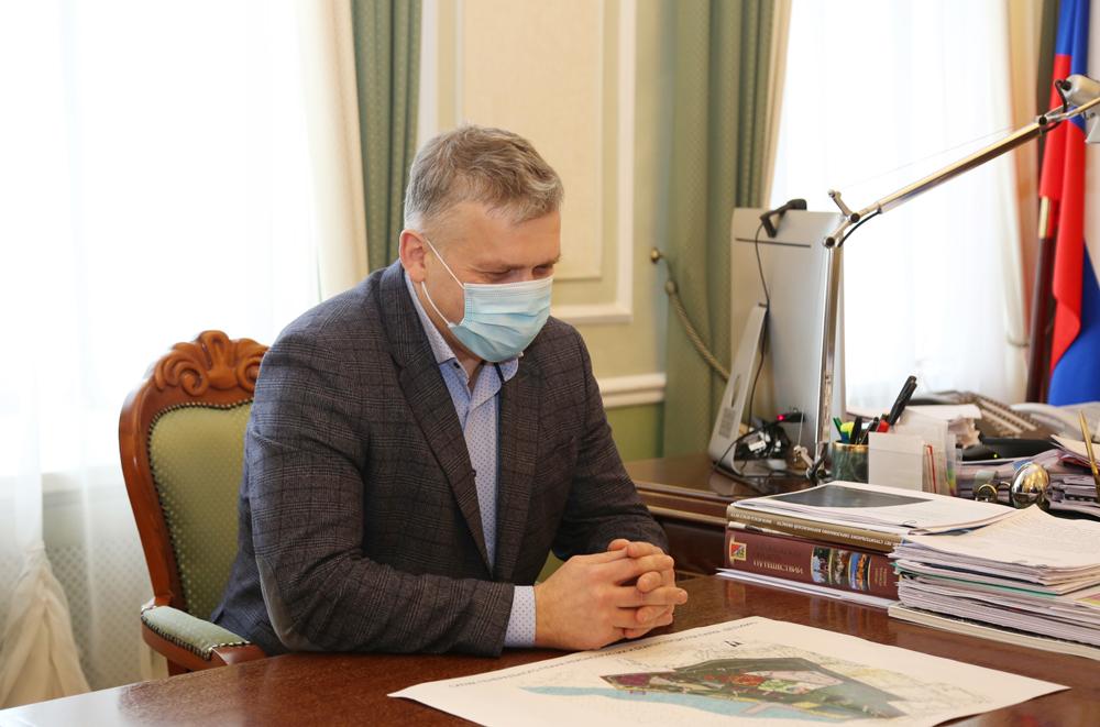 Эдуард Толоконников.
