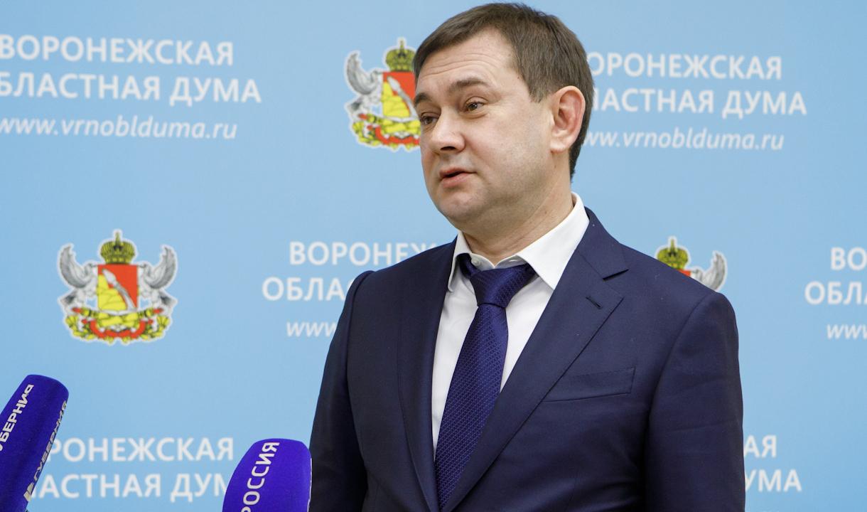 Владимир Нетёсов.