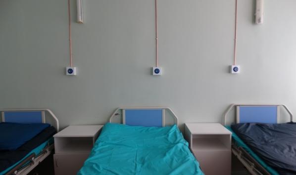 Койки для пациентов с коронавирусом.