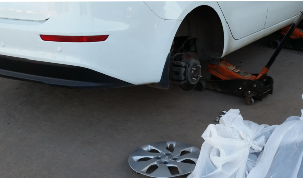 Воронежец украл колеса, чтобы поставить на свое авто.