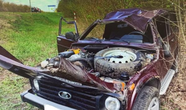 Водитель машины погиб.