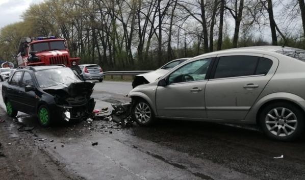 ДТП случилось в Аннинском районе.