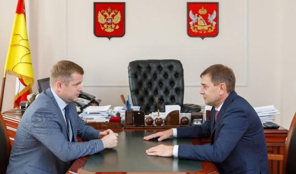 Владимир Нетёсов провел рабочую встречу с Алексеем Сапроновым.