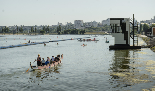 На дамбе Чернавского моста.