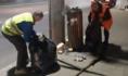 Сотрудники клининга помогли убрать город после праздника.