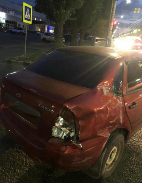 Авария с маршруткой на Ленинском проспекте.