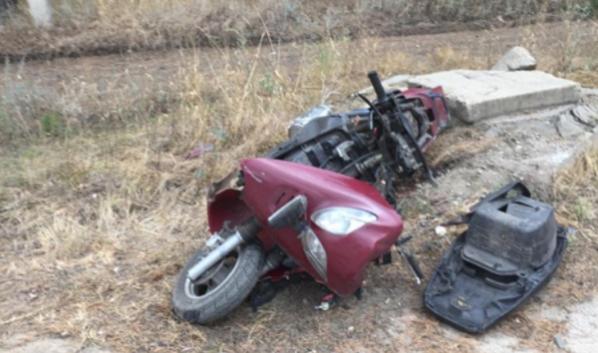 Мопед после аварии.