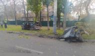 Машину разорвало на части.